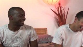 Deux afros chauds comme la braise