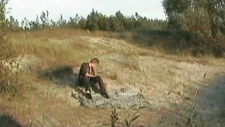 Léchage de pieds dans les dunes